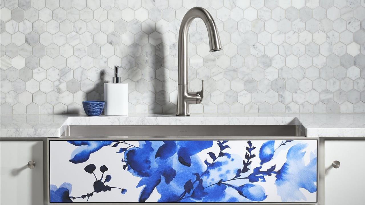 A refreshing new faucet in a kitchen