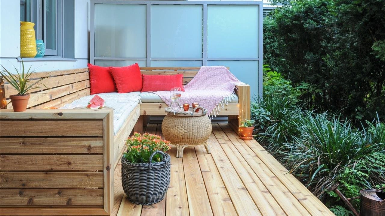 built in deck furniture with privacy panel