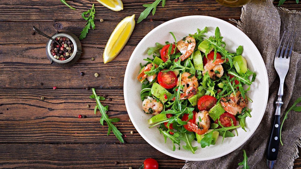 shrimp tomato avocado salad bowl