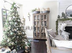 Christmas tree with Bona floor cleaner in a living room