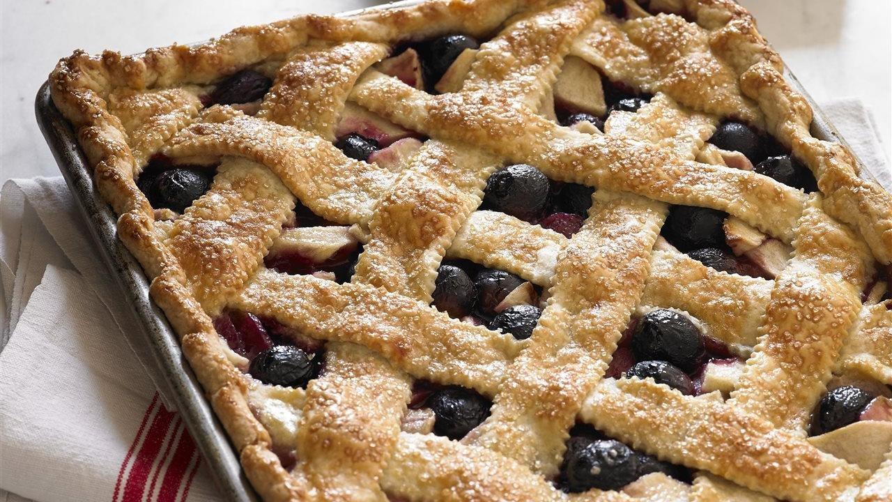 grape apple pan pie