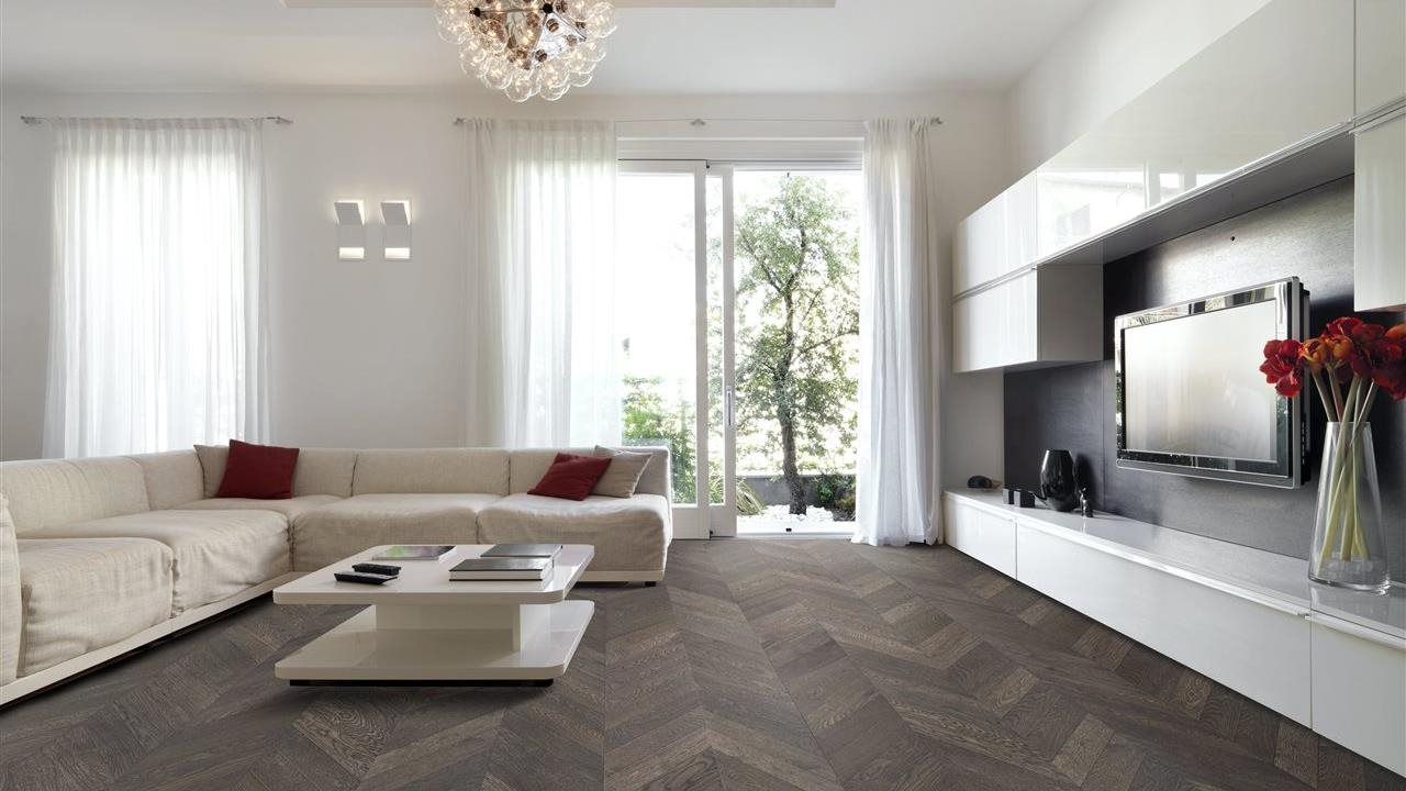 chevron flooring in beautiful modern style livingroom