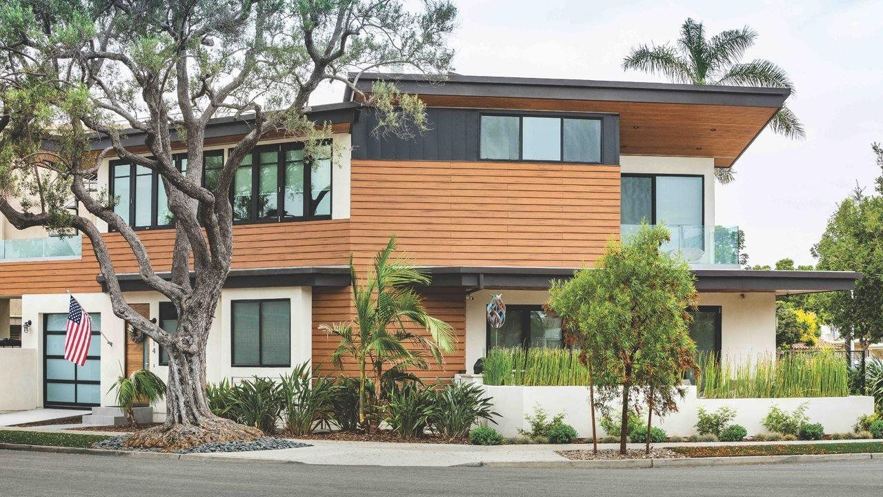 Cladding on the side of a modern style home