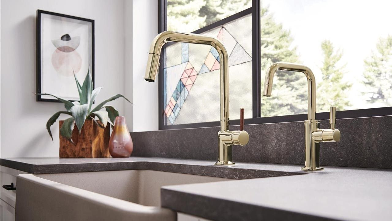 Brizo faucet in upscales kitchen sink
