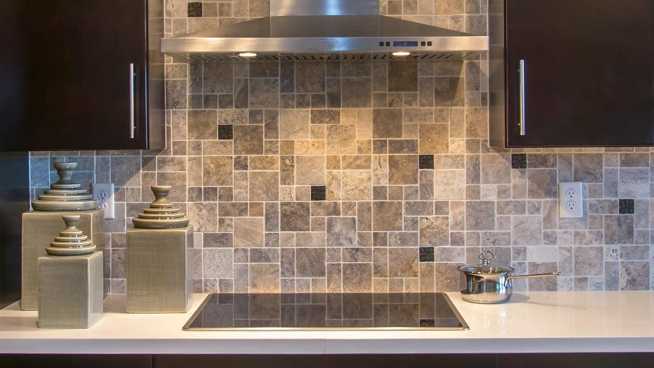beautiful backsplash in upscale kichen
