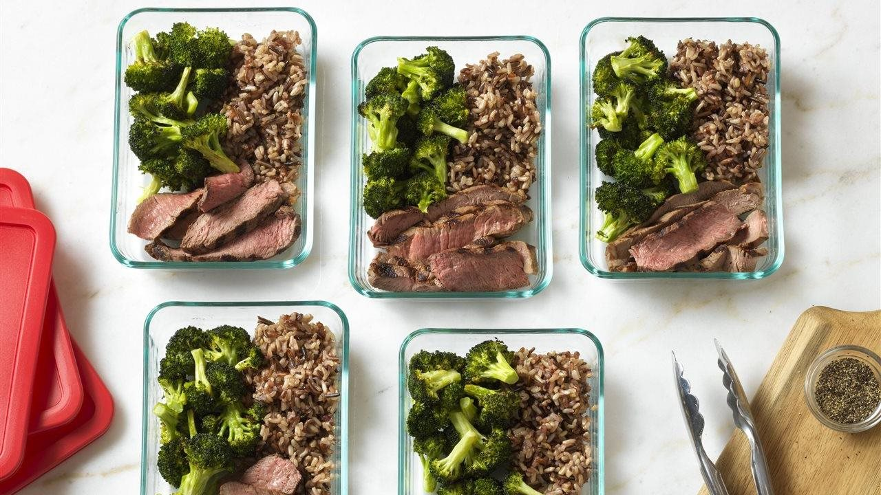 beef and rice with brocolli in seperate containers