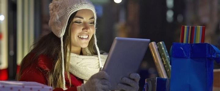How small businesses can capitalize on the holiday shopping season