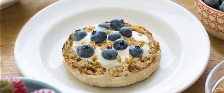 blueberries on on bagel