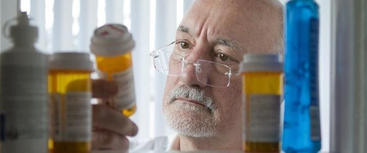 8 simple steps to help seniors, caregivers better manage medications
