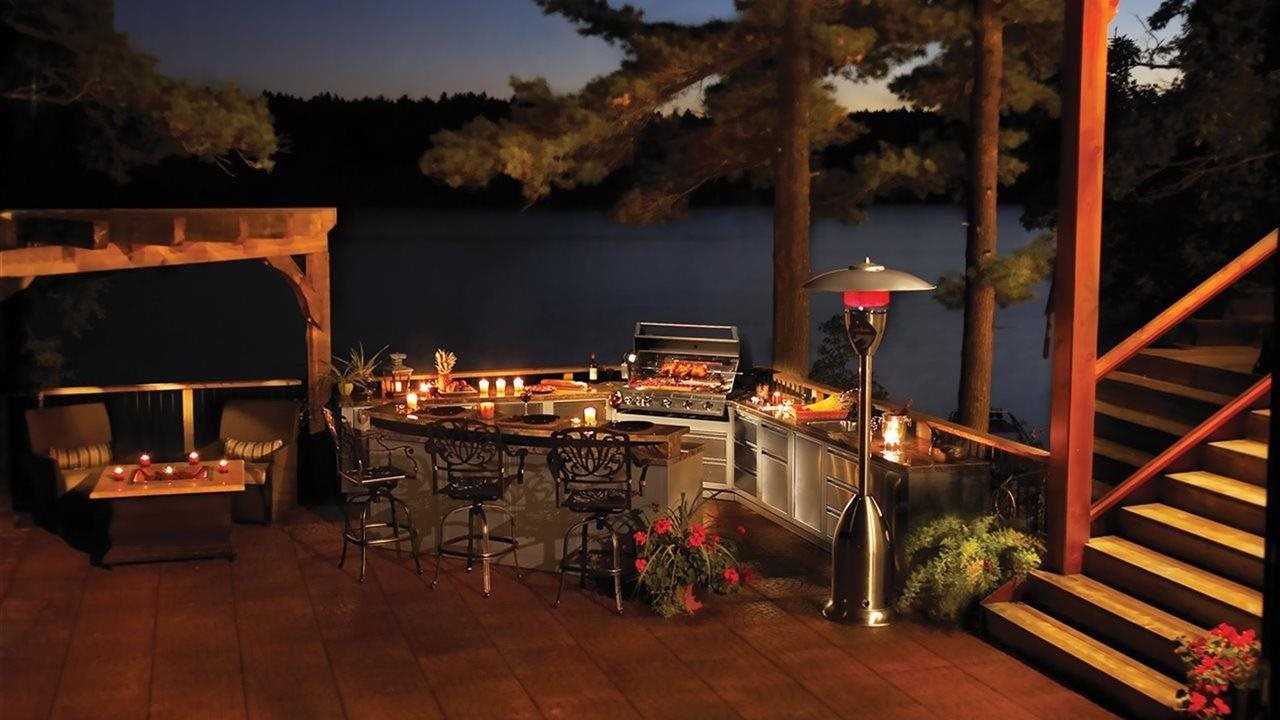 beautiful outdoor kitchen with grill