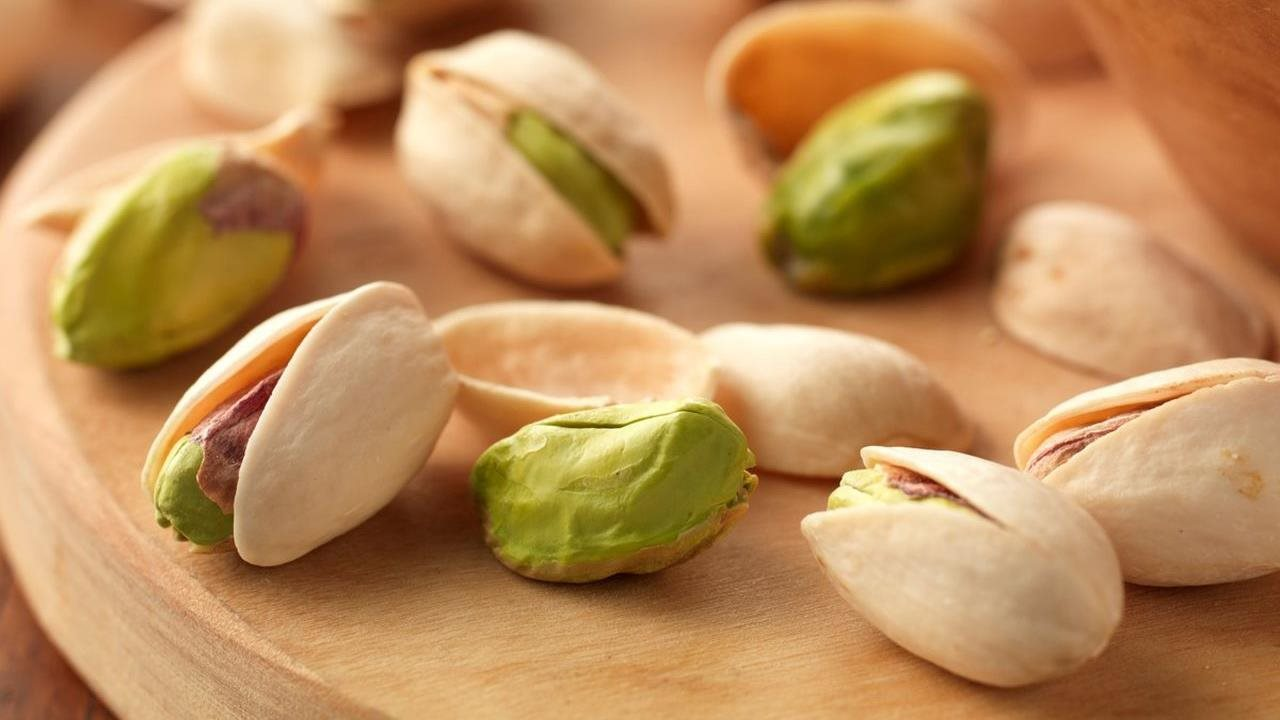 Moms-to-be: Forget pickles and reach for pistachios