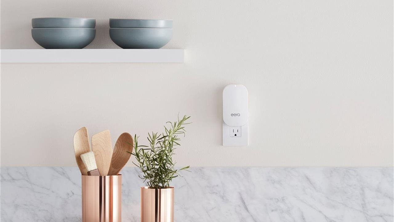 eero beacon wifi in beautiful modern kitchen