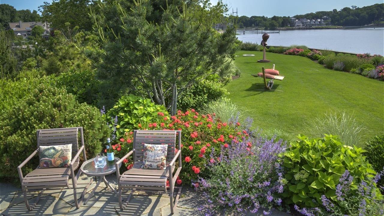 Hoffman Landscapes, Inc./LoveYourLandscape.org